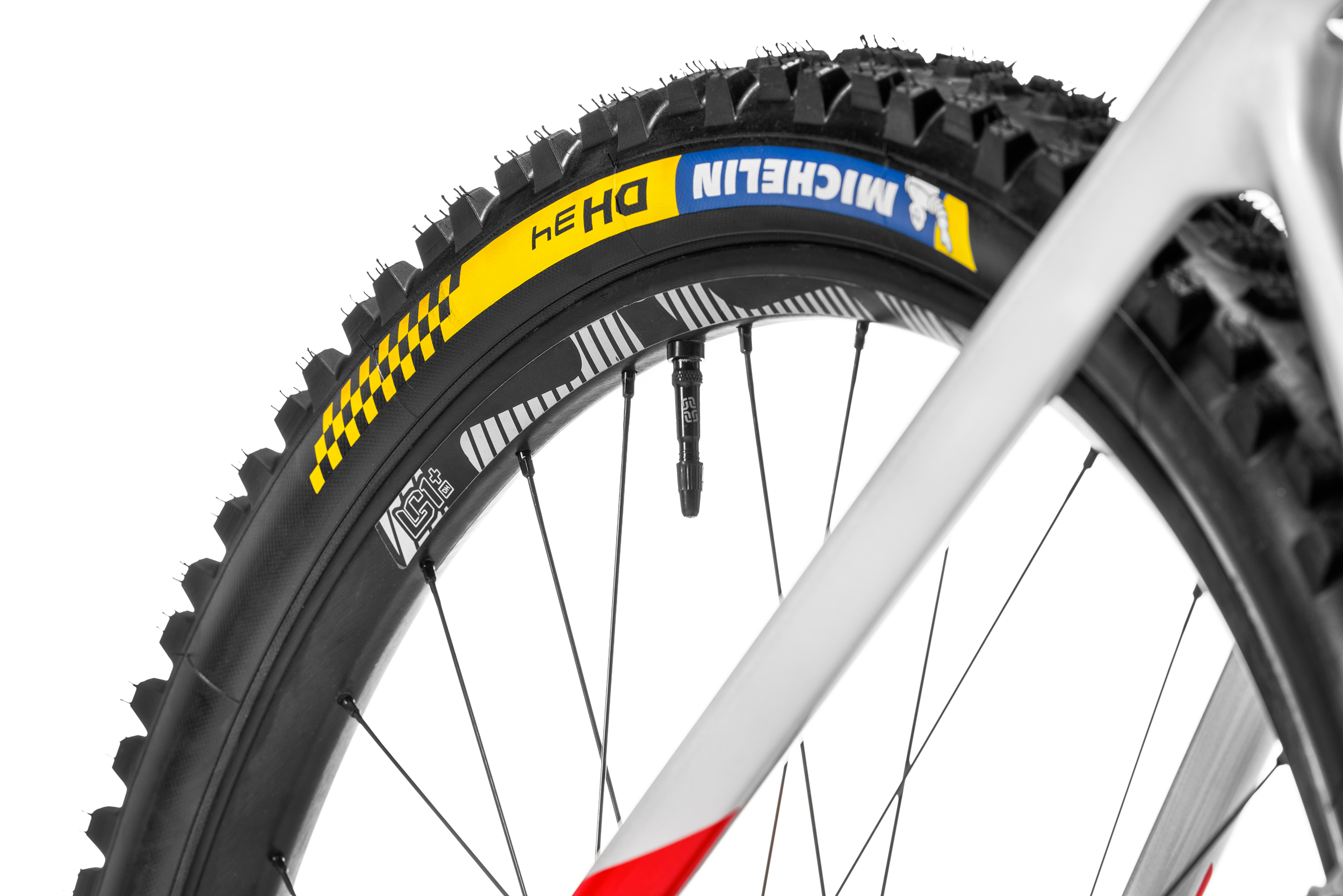 dry tire 1: DH22 dry tire 2: DH 34t wet tire: Mud check out www.michelin.de